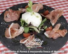 Jamón de Parma y mozzarella de búfala
